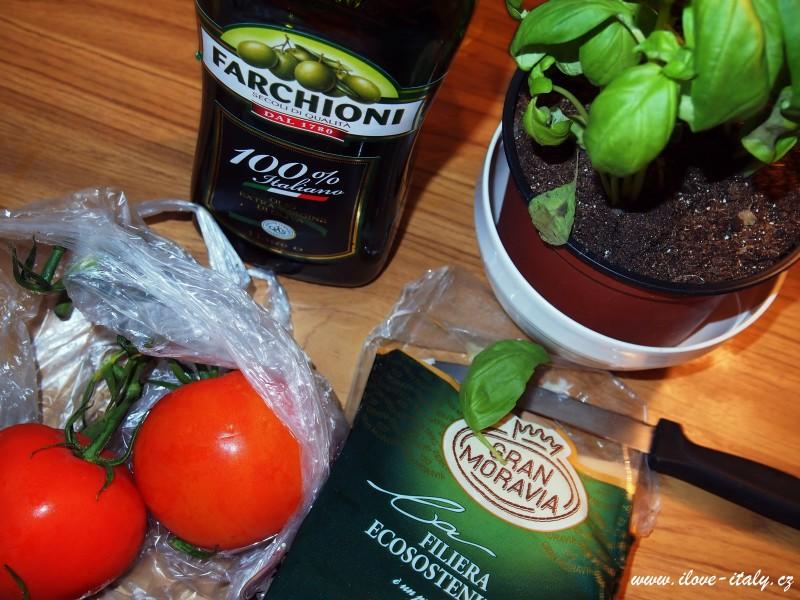 olivový olej, bazalka , rajčata