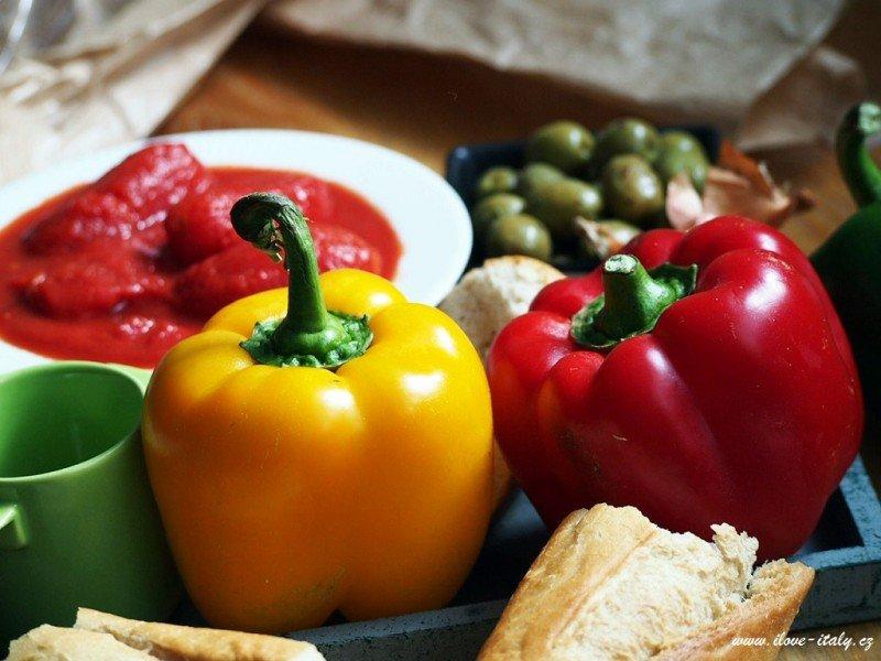 italská kuchyně papriky a rajčata