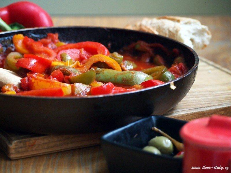 recept s paprikou a rajčaty