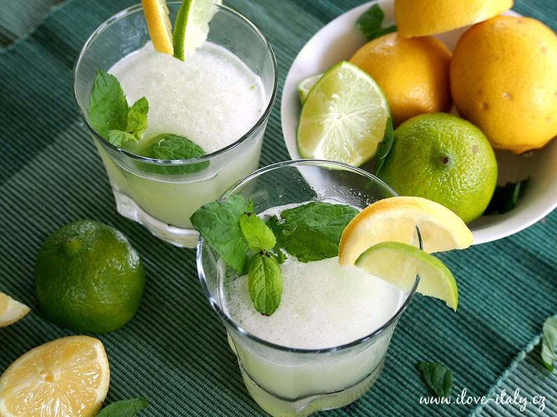 koktejl limetka a citrón čerstvý