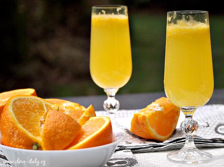 pomerančový koktejl mimosa