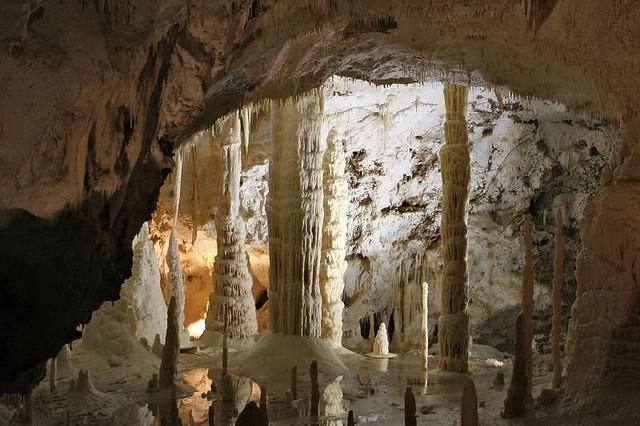grotte di frasassi - italské jeskyně frasassi