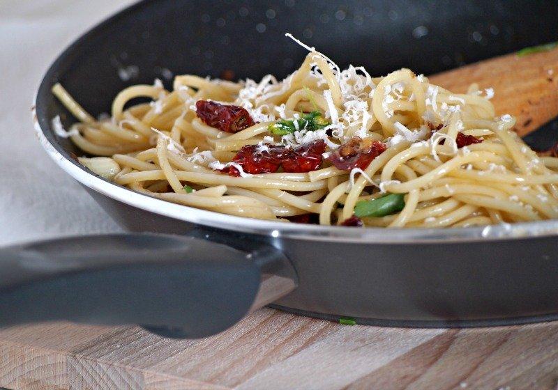 špagety se sušenými rajčaty