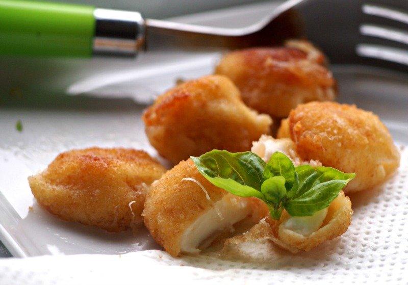 smažené mini mozzarelly