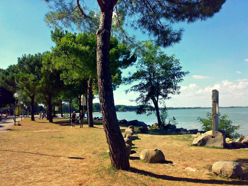 jezero trasimeno itálie