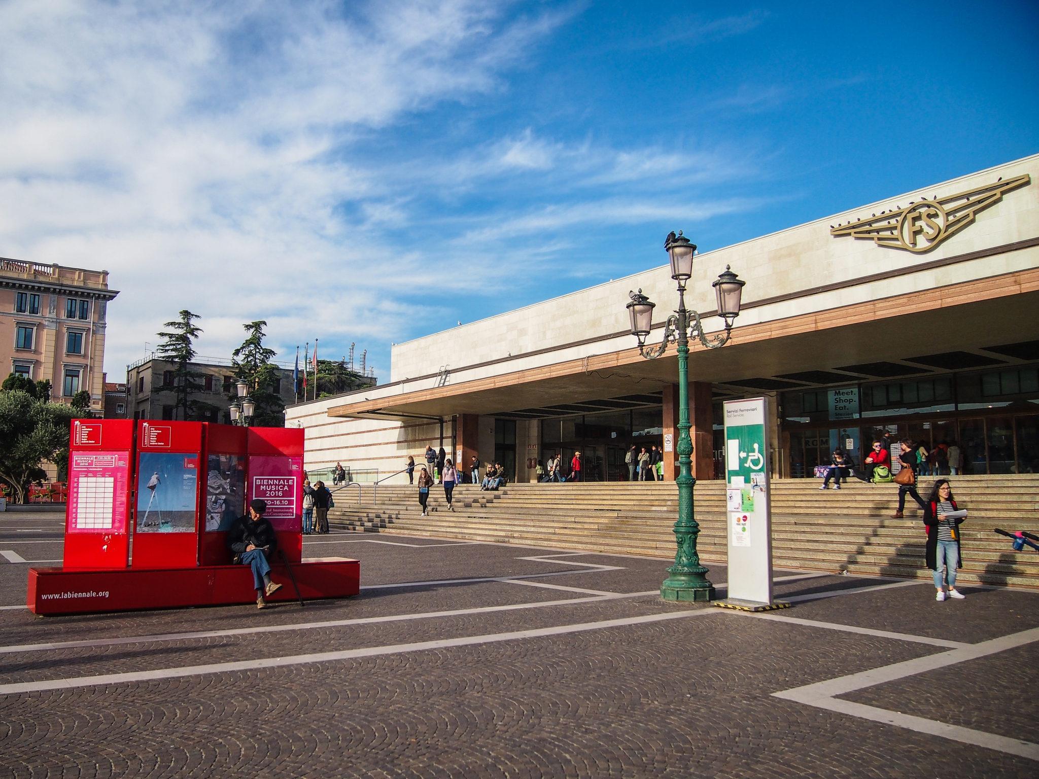 benátky vlakové nádraží